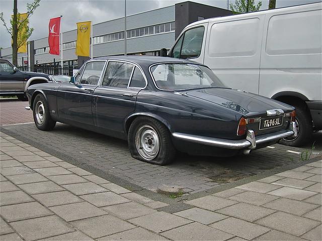 17 96 xl jaguar xj6 4 2 1973 flickr photo sharing. Black Bedroom Furniture Sets. Home Design Ideas