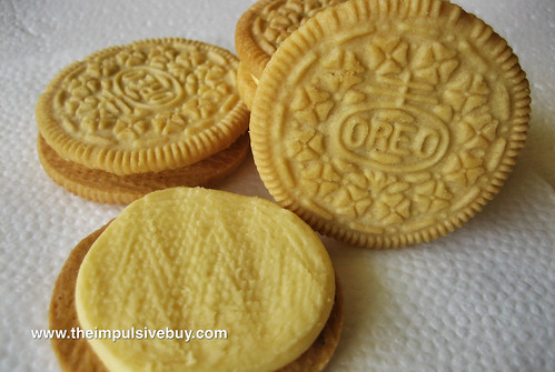 Nabisco Limited Edition Lemon Twist Oreo Closeup