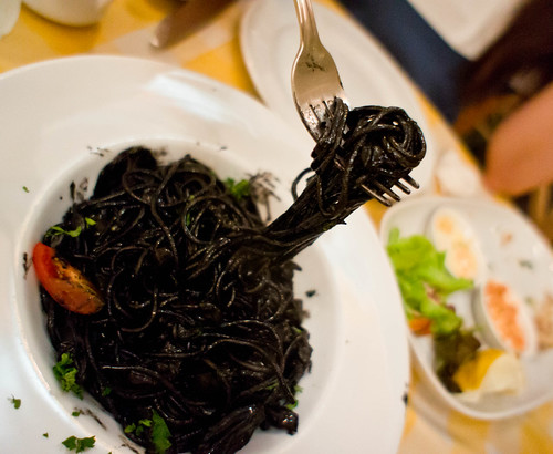 Spaghetti in squid ink sauce