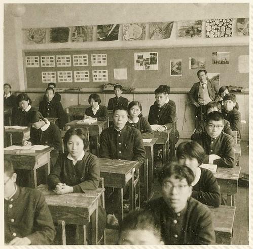 東中学卒業写真・34HR授業風景 1962年 by Poran111