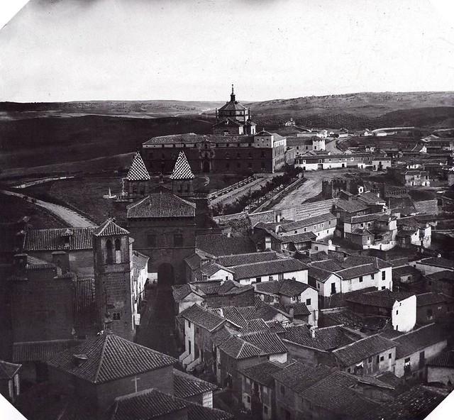 Puerta de Bisagra hacia 1860. Fotografía de Alfonso Begue (c) Archivo Municipal de Toledo