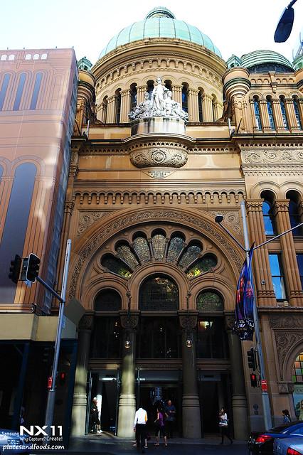 queen victoria's building main
