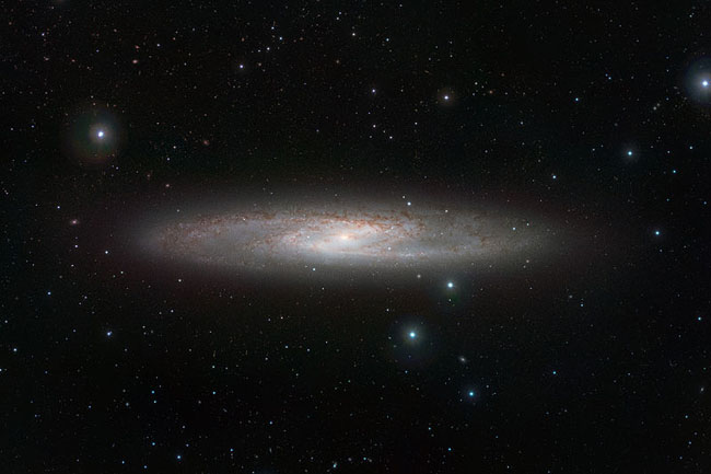 800px-Sculptor_Galaxy_by_VISTA