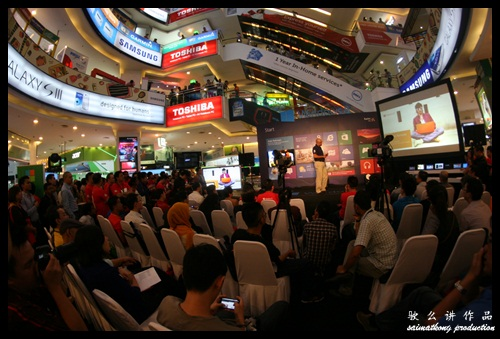 Windows 8 Launch @ Lowyat Plaza with Ananth