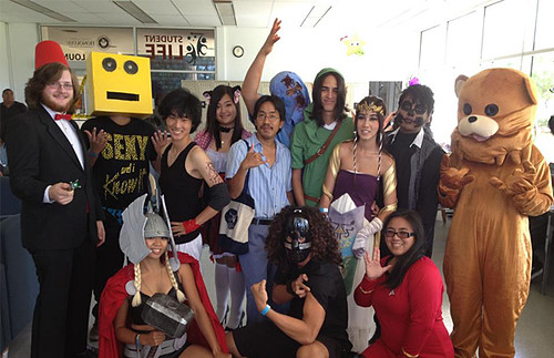 <p>Honolulu CC costume contest participants</p>
