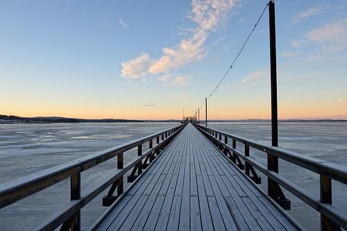 ice sunrise landscape day lakes bridges sverige dalarna brygga siljan sjöar dalarnaslän långbrygganirättvik pwpartlycloudy