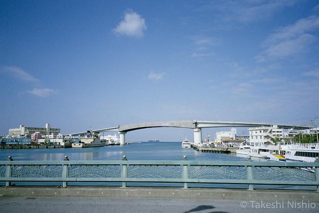 泊港の眺め / View of tomari harbor