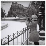 Devant la fontaine, Rue Soufflot, Paris Ve