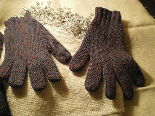 comment tricoter des gants en laine avec 2 aiguilles