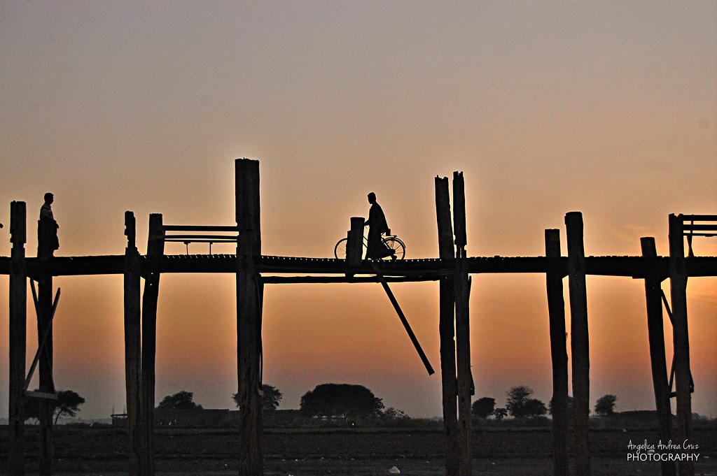 Sunset, U Bein Bridge, Amarapura, Mandalay, Burma