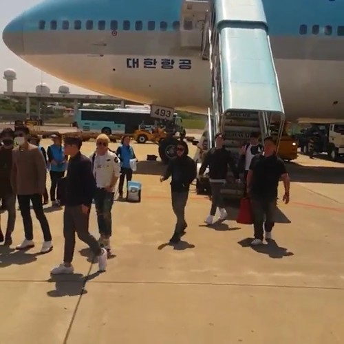 Big Bang - Jeju Airport - 19may2015 - chang_m_i_n - 02