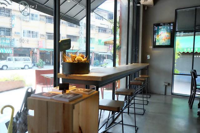 29713899072 1df5516958 z - 小葛廚房 Glady's Kitchen:優質空間的早午餐店,餐點以手作漢堡為主,鄰近水湳市場和美國學校