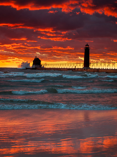 Grand Haven Pier And Lighthouse Flickr Photo Sharing