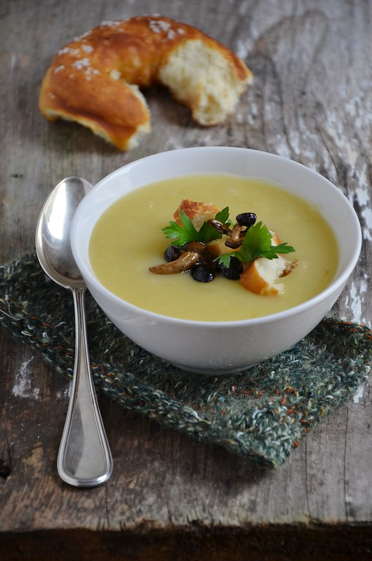 Potato Soup with mushrooms and pretzel