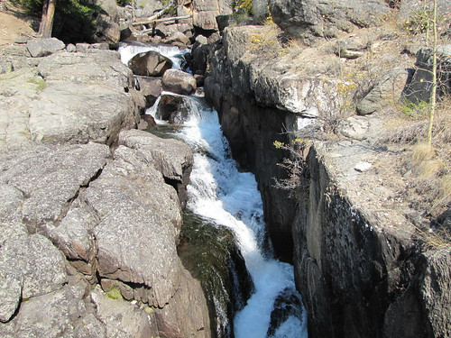 IMG_5984_Waterfall_on_Beartooth_Scenic_Byway