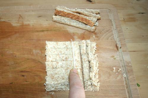 40 - Brot entrinden und würfeln / Debark & dice bread