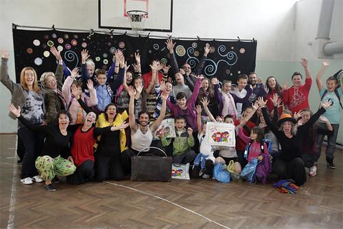 I bambini di Liubija dopo show