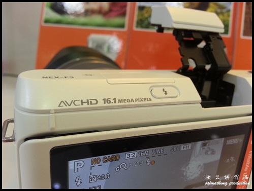 Interchangeable Lens Camera Promotion by SenQ - Sony NEX-F3K - 16.1 Megapixels Exmor™ APS HD CMOS Sensor