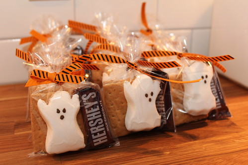 12 Halloween Party Favors {Handmade} - Tip Junkie