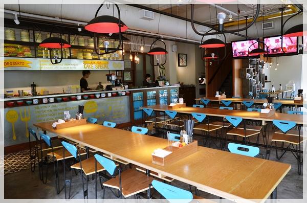 Cafeteria-like Seating @ Wondermama