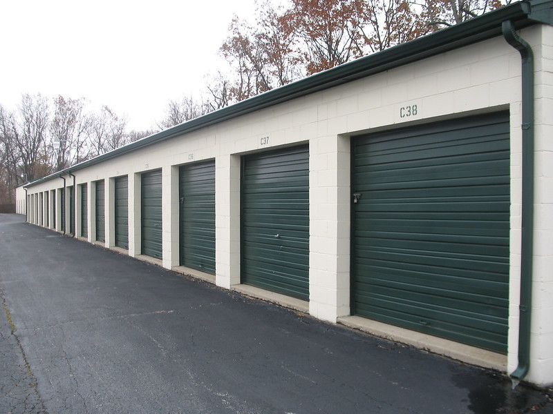 self storage units (11)