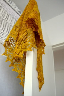 Birthday Shawl, door hang