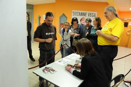 Suzanne Vega @l'ARTEA By McYavell - 121024 (24)