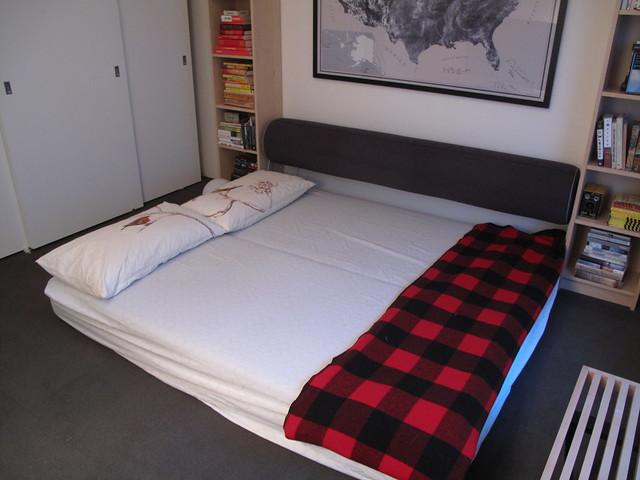 sold design within reach twilight sleeper sofa 600