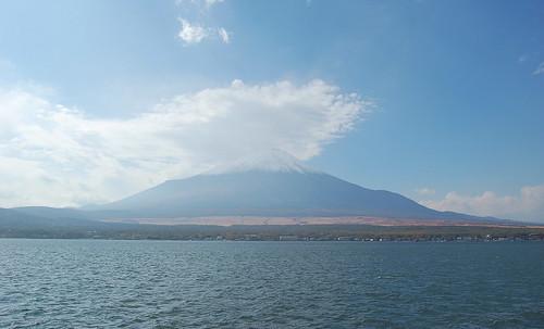 ★冠雪の富士山