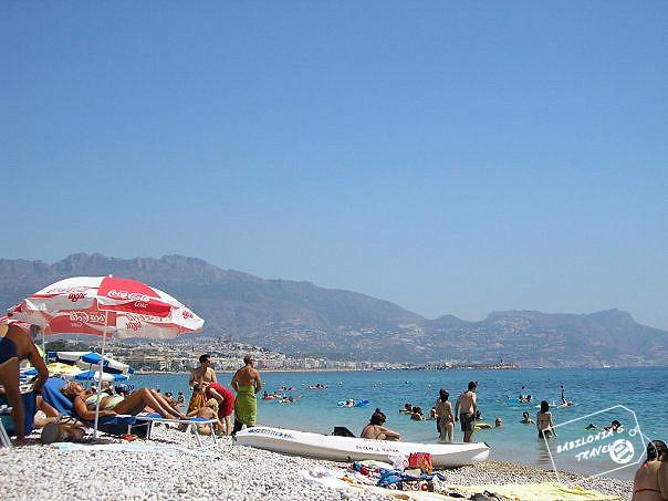 Playa piedras Albir