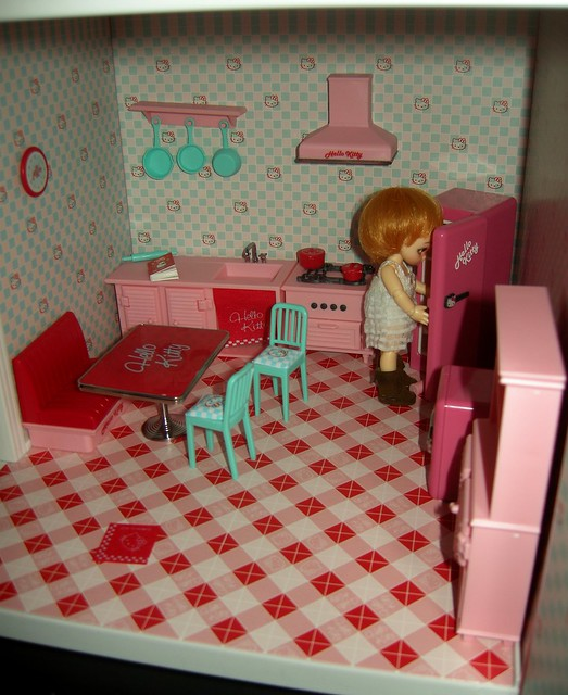 Hello Kitty dollhouse tour - kitchen | Flickr - Photo Sharing!