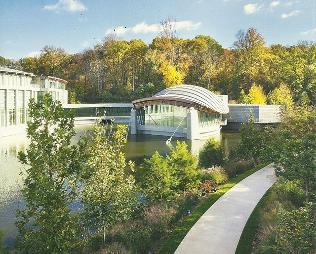 Crystal Bridges Art Museum by CC user nat507 on Flickr