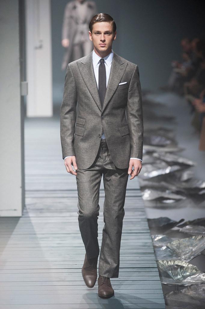 FW13 Milan Corneliani020_Lucas Mascarini(fashionising.com)