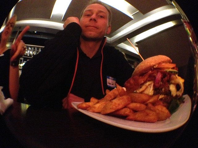 @kasper_roed got his (huge) burger
