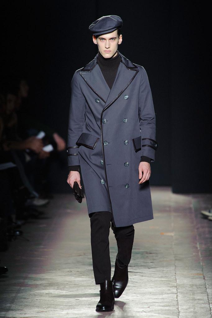 FW13 Milan Daks003_Robin Barnet(fashionising.com)