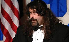 Fichier:Mick Foley (2).jpg