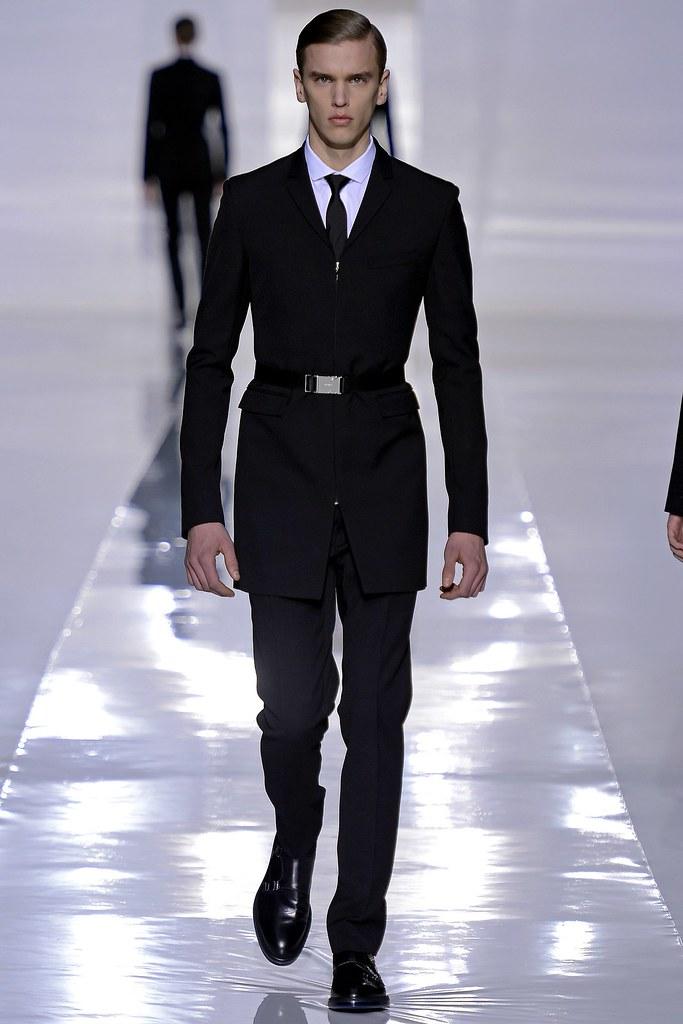 FW13 Paris Dior Homme004_Isaac Ekblad(GQ.com)