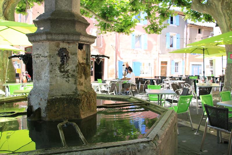 provence village villedieu fountain