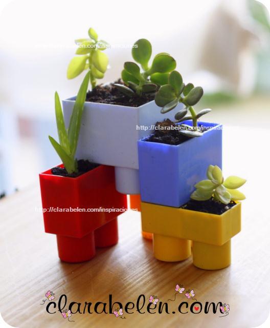 Macetas con juguetes 2012