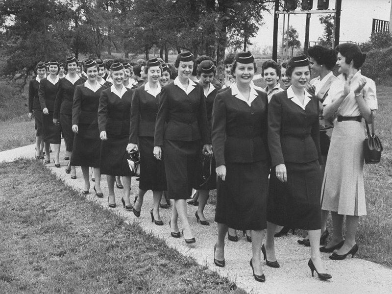 a-1958-commencement-ceremony-for-stewardess