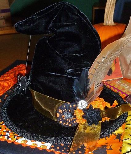 lindas hat