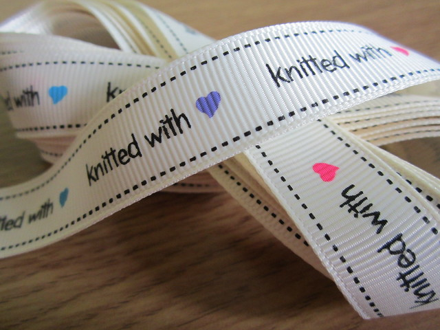 Knitty ribbon 001
