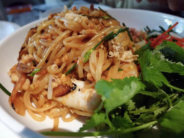 Phad Thai seafood linguine