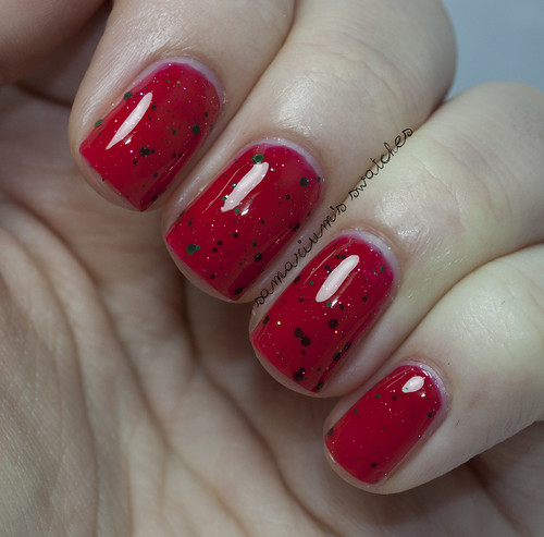 Jindie Nails Kiss Me Under the Mistletoe (2)