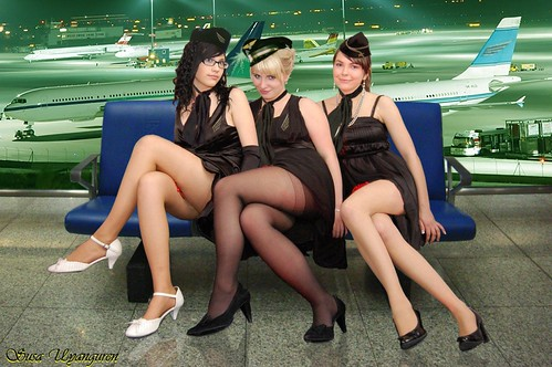 heyl-styuardessi-v-salone-porno