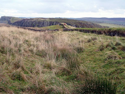 Ditch and curtain wall at Steel Rigg