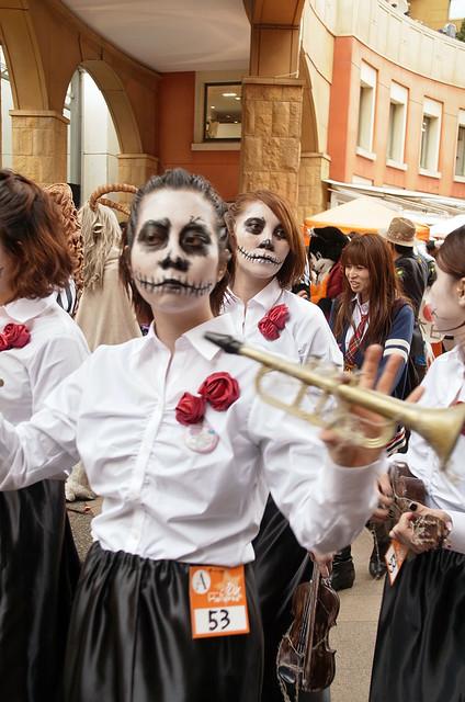 Kawasaki-Halloween-2012-Parade-65-R0022770
