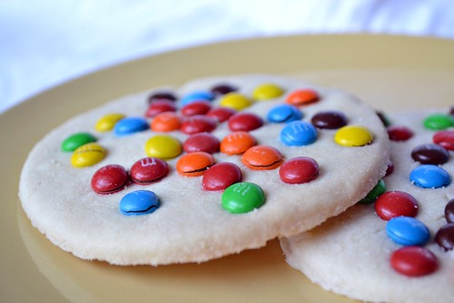 mrs. fields cookies with m&m's