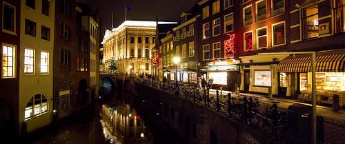 Vanuit de Vismarkt richting Stadhuis, Utrecht.