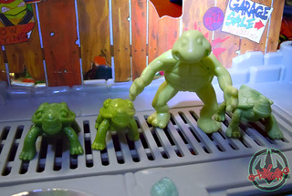 Nickelodeon  TEENAGE MUTANT NINJA TURTLES :: MUTAGEN OOZE xxviii Nickelodeon  TEENAGE MUTANT NINJA TURTLES :: MUTAGEN OOZE xxvi  / BONUS MINI TURTLES MIKE,LEO, & DON with PREMUTANT TURTLE '90  (( 2013 ))